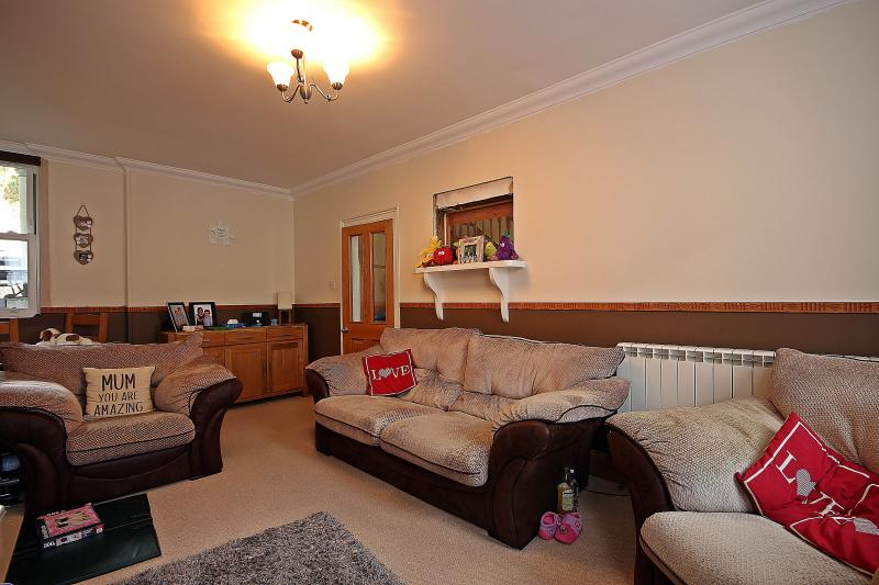 Serenity Is A Lovely Three Bedroom Terraced House Conveniently Located  Close To Local Amenities Of The Town Centre Including Shops, Educational  Facilities ... Part 89