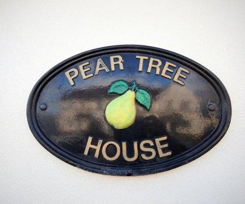 39 Pear Tree Clos Image