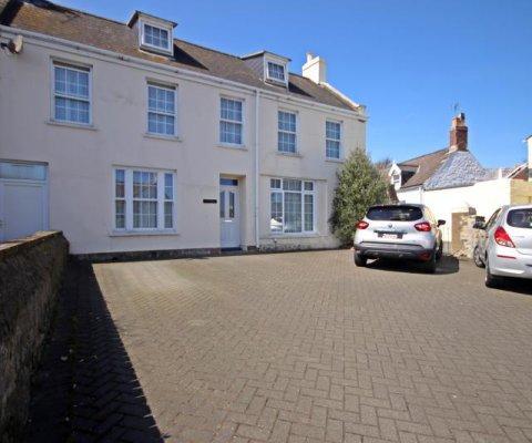 Le Prevost House Image