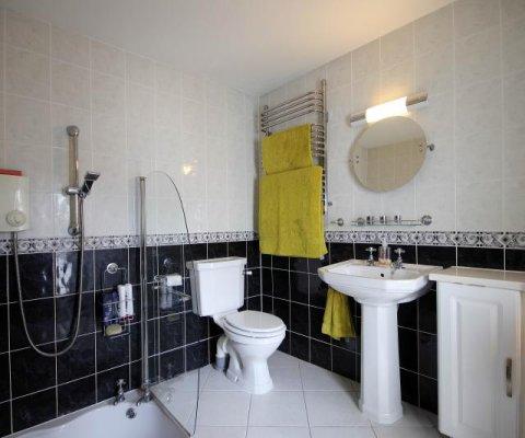 Apartment 3, Maison D'Or Image