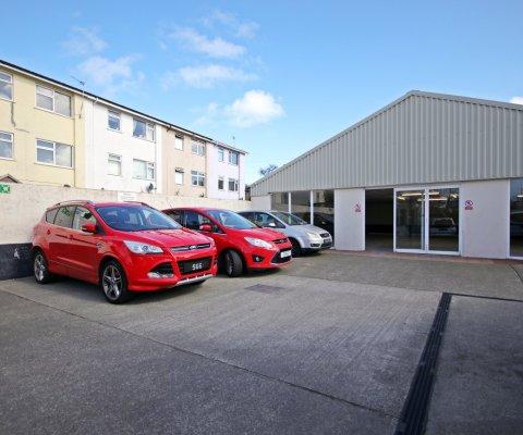 Braye Road Garage Image