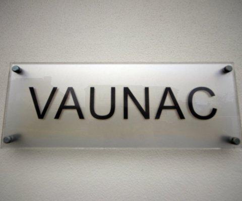 Vaunac Image