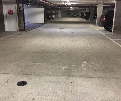17 Infinity Cresent Garage Image